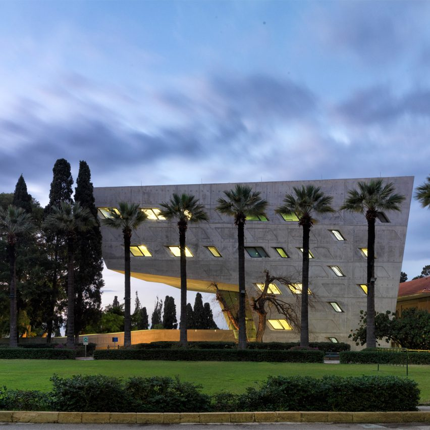 aga-khan-architecture-awards-winners-2016-china-bangladesh-denmark-iran-lebanon_dezeen_1704_col_1