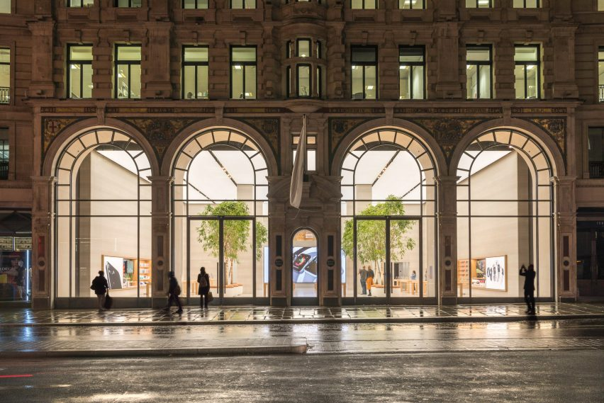 apple-regent-street-foster-partners-london_dezeen_2364_col_3