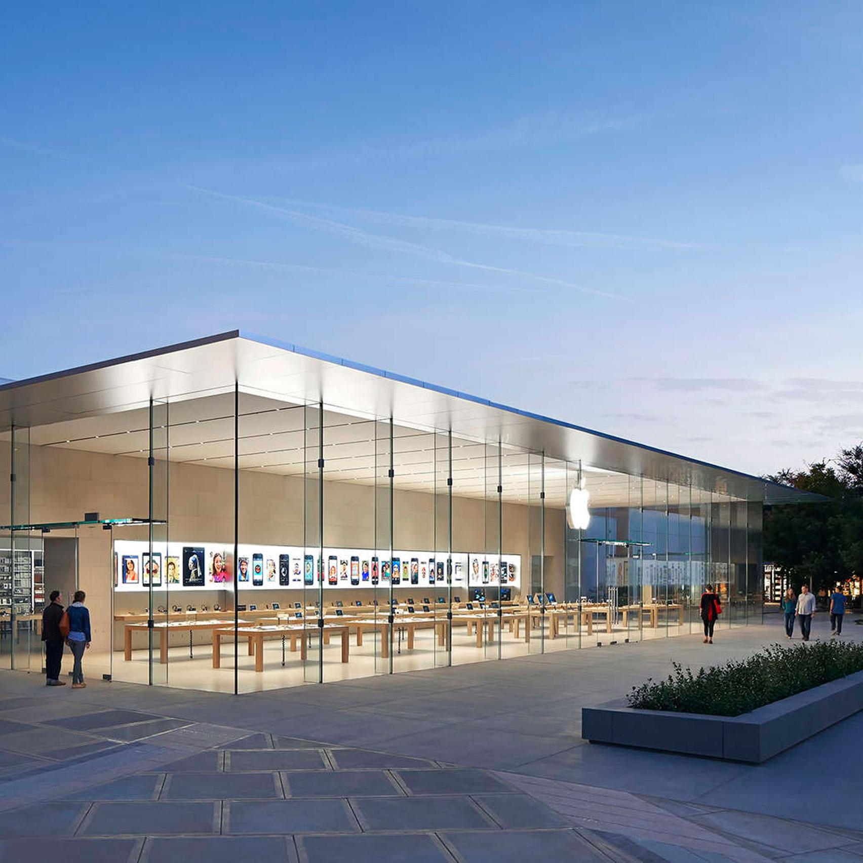 Apple store, Stanford by Bohlin Cywinski Jackson