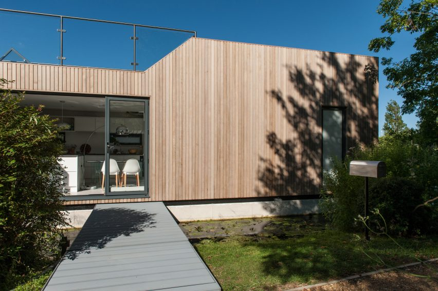 chichester-floating-home-baca-architects-architecture-uk_dezeen_2364_col_4