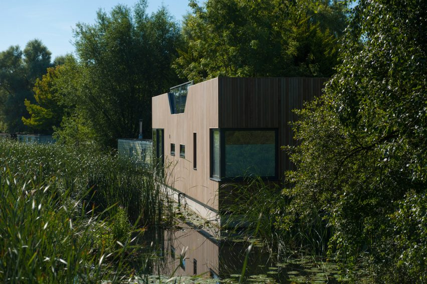 chichester-floating-home-baca-architects-architecture-uk_dezeen_2364_col_5