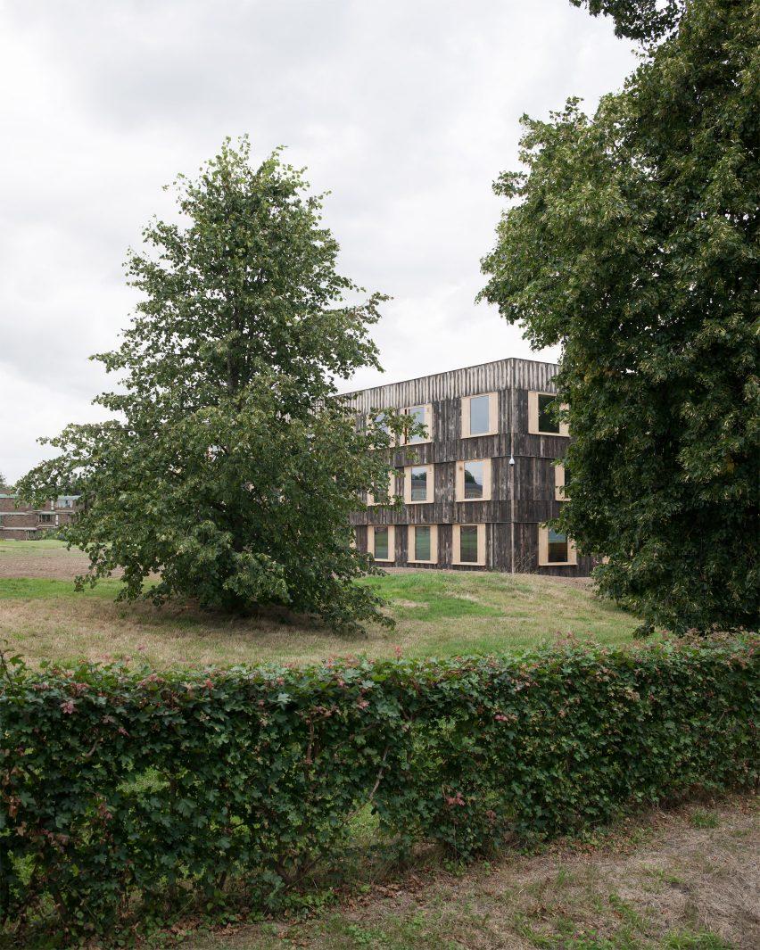 churchill-college-6a-architecture-education-university-of-cambridge-uk_dezeen_1704_col_6
