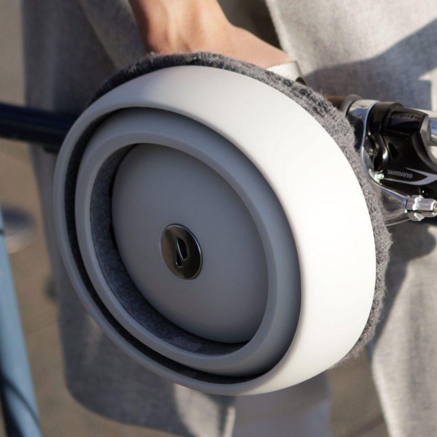 closca-fuga-foldable-helmet-design_dezeen_sqb