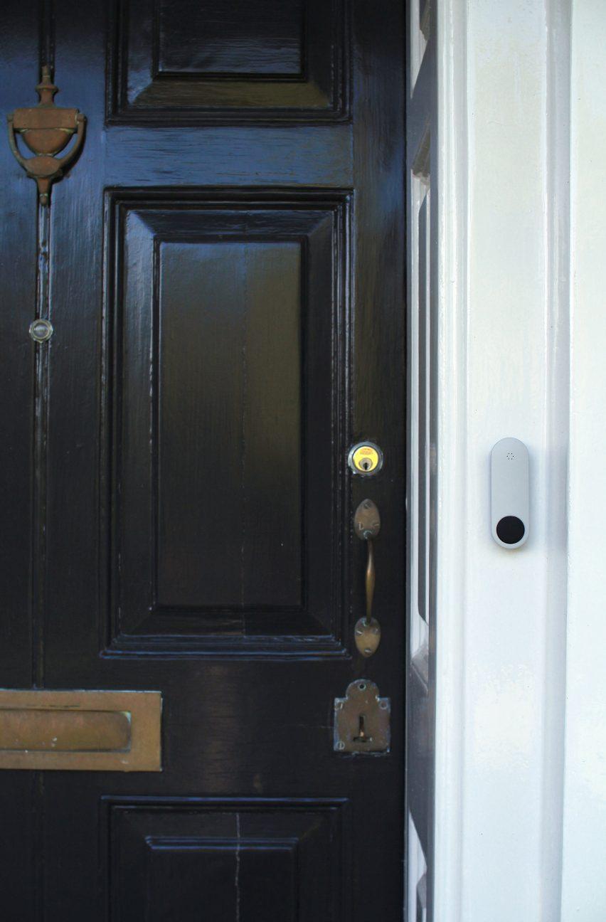 ding-smart-doorbell-design-products-technology_dezeen_2364_col_1