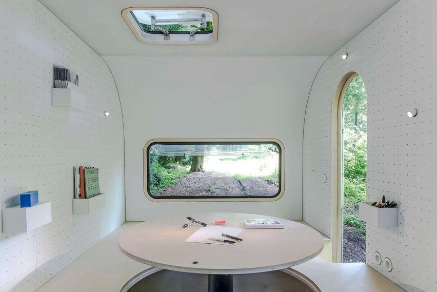 Dojo wheels caravan