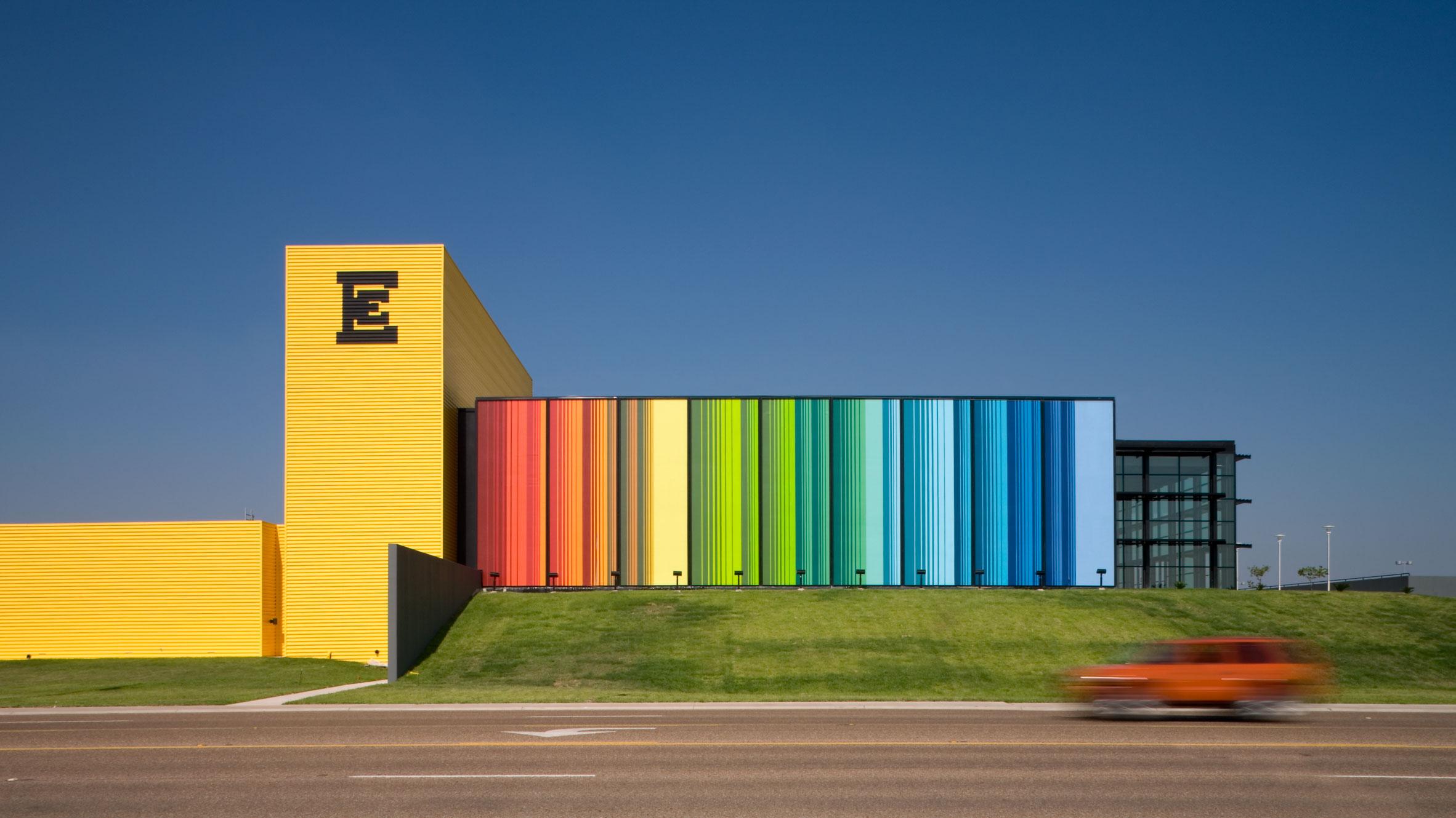 Edcouch-Elsa ISD Fine Arts Center by Kell Muñoz Architects
