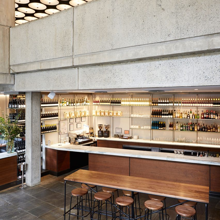 Restaurant Design Museum New York : Restaurant and coffee bar open inside brutalist met breuer