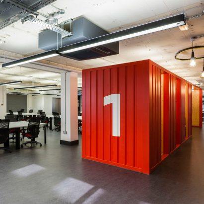google-campus-jump-studios-office-interiors-col1