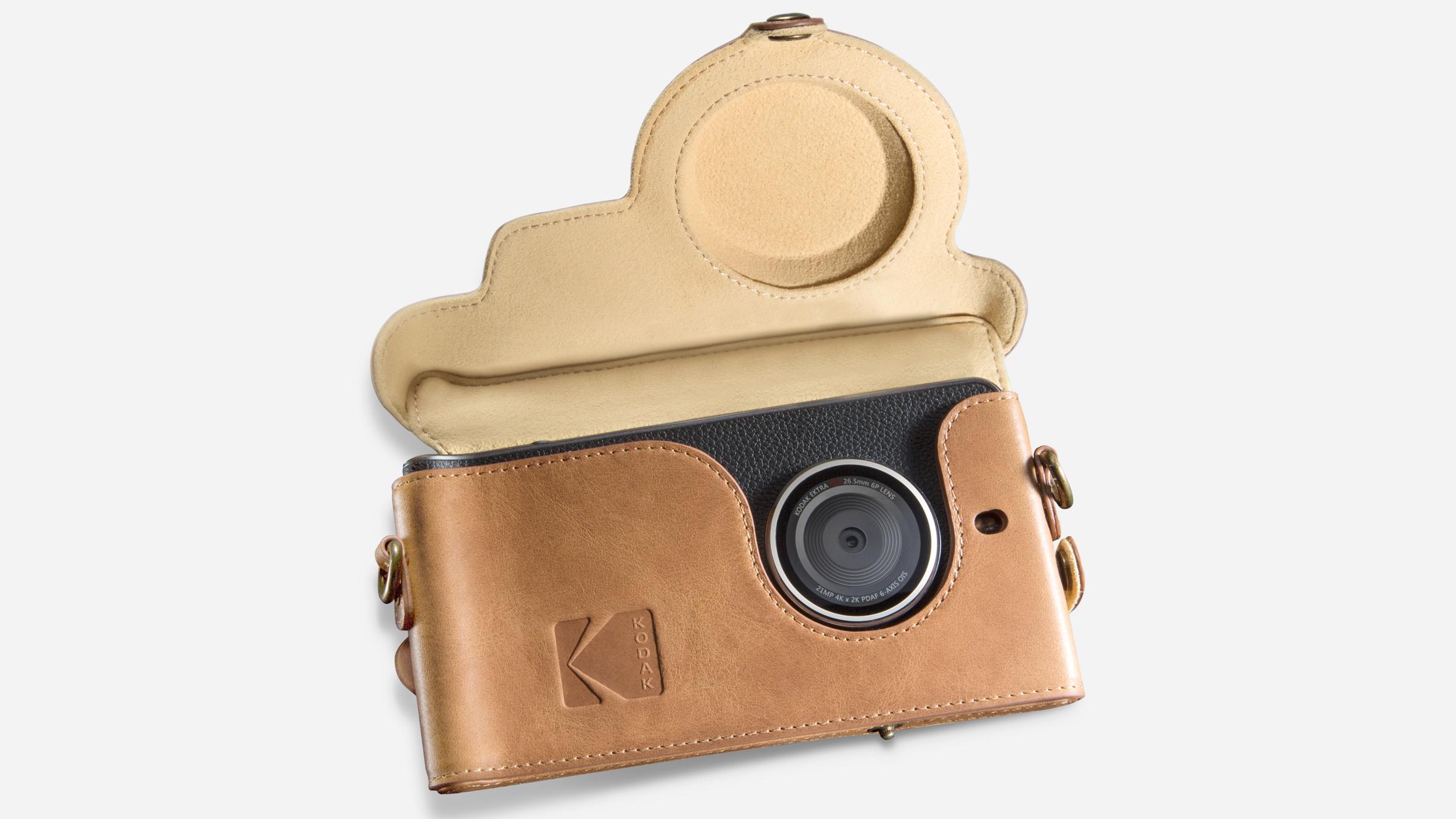 hero-kodak-ektra-smartphone-eastman-kodak-company-bullitt-group_dezeen_heroc.jpg
