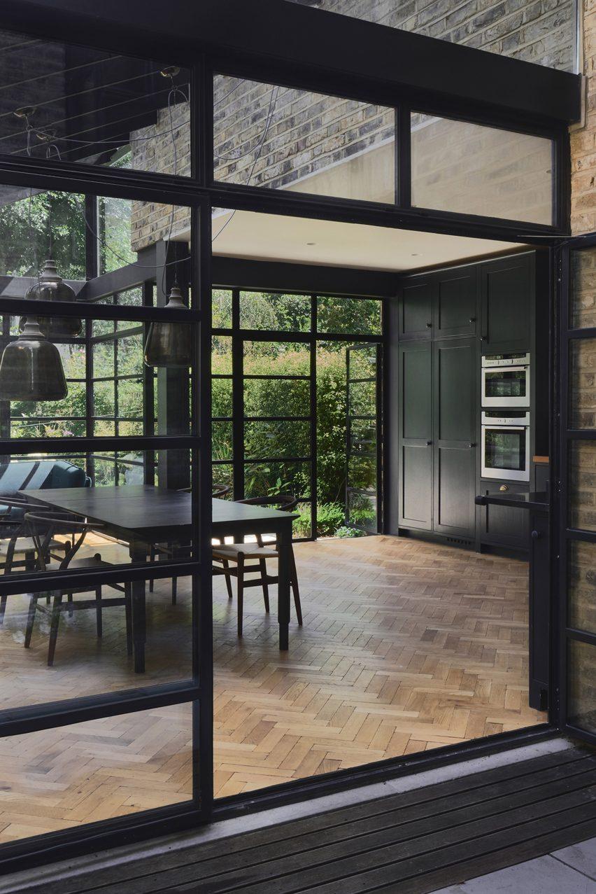 Highbury Hill extension by Blee Halligan Architects