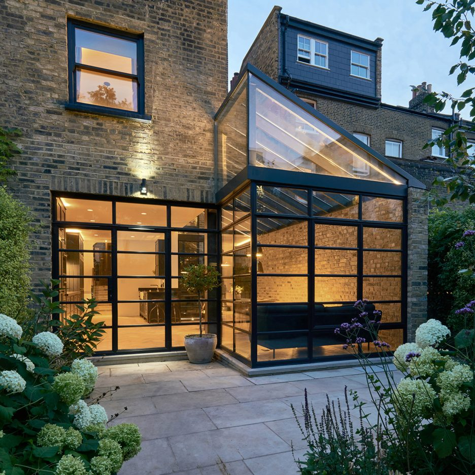 Blee halligan architects updates north london house with for Modern architecture house london