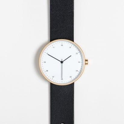 Instrmnt 02 x Dezeen watch
