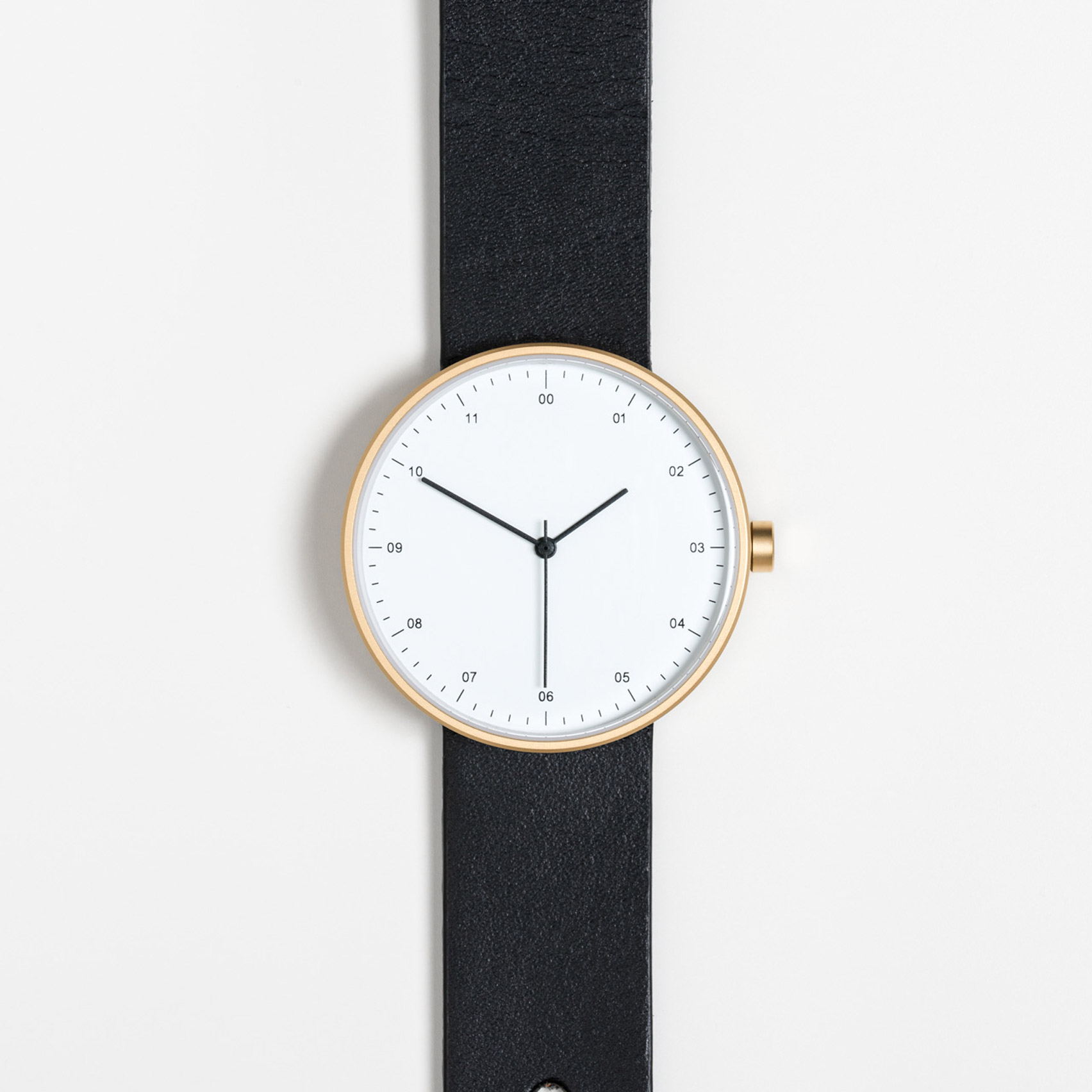 Instrmnt 02-Dezeen watch