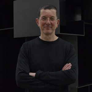 interviews-antony-gormley_dezeen_rhs