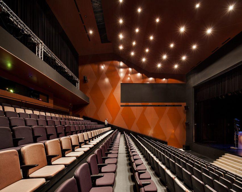 lucena-auditorium-mx-si-architecture-cultural-spain_dezeen_2364_col_13
