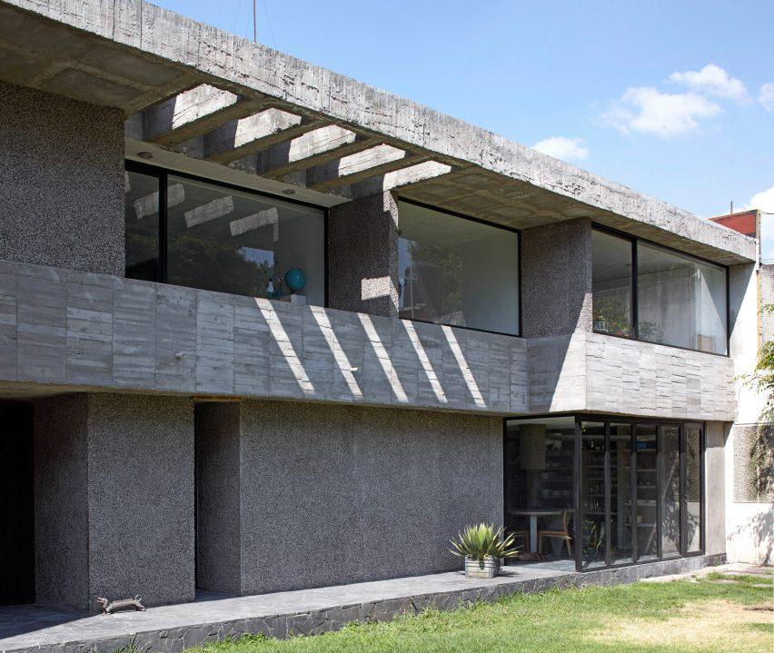 pedro-reyes-house-architecture-mexico-city_dezeen_2364_col_2