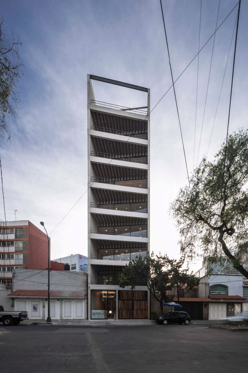 rodin-33-carlos-marin-architecture-apartments-residential-mexico-usa_dezeen_1704_col_7