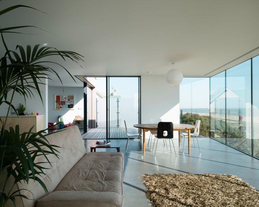 Shoreham beach house Abir architects