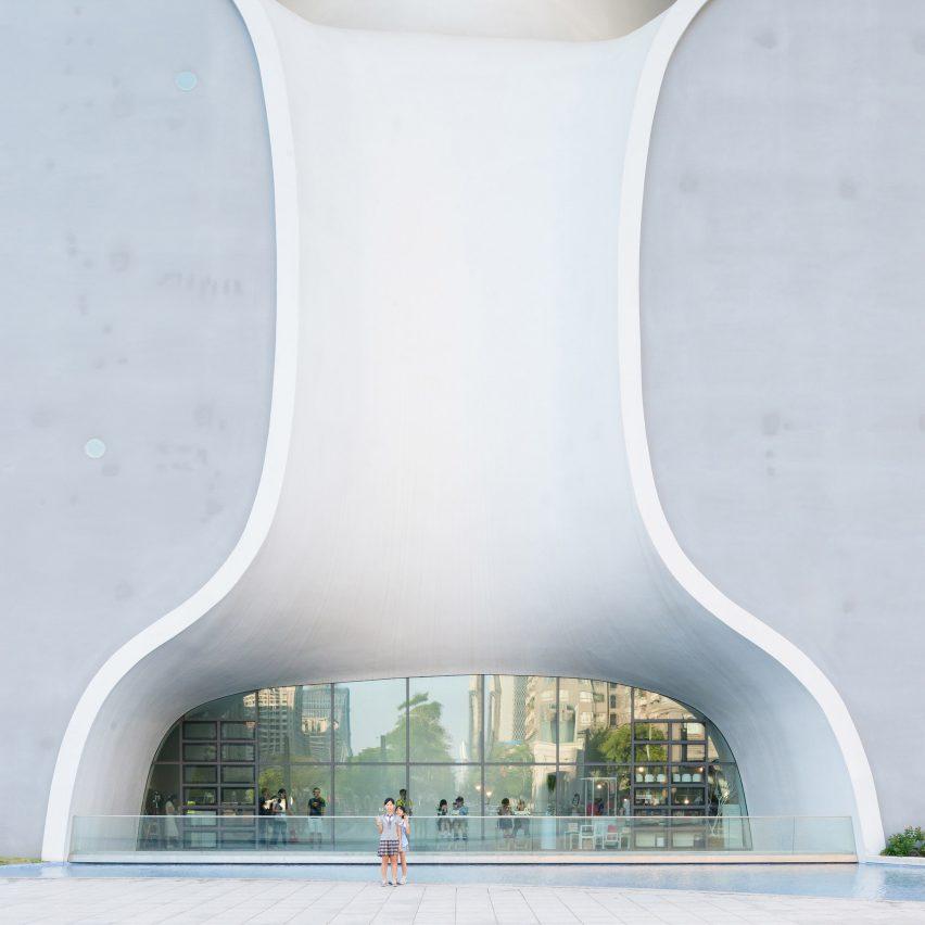 taichung-metropolitan-opera-house-toyo-ito-taiwan-architecture_dezeen_sq