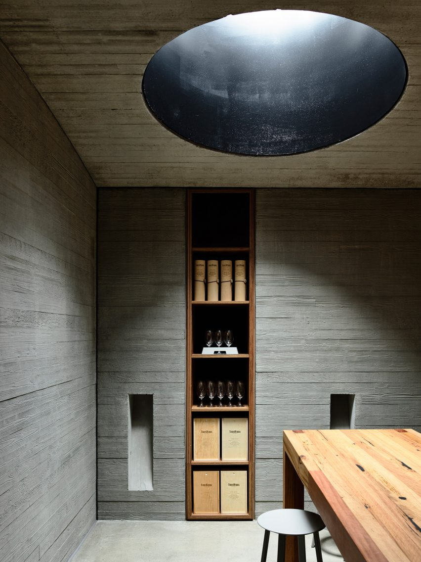 Tarrawarra Cellar Door by Kerstin Thompson Architects (Photography by Derek Swalwell)