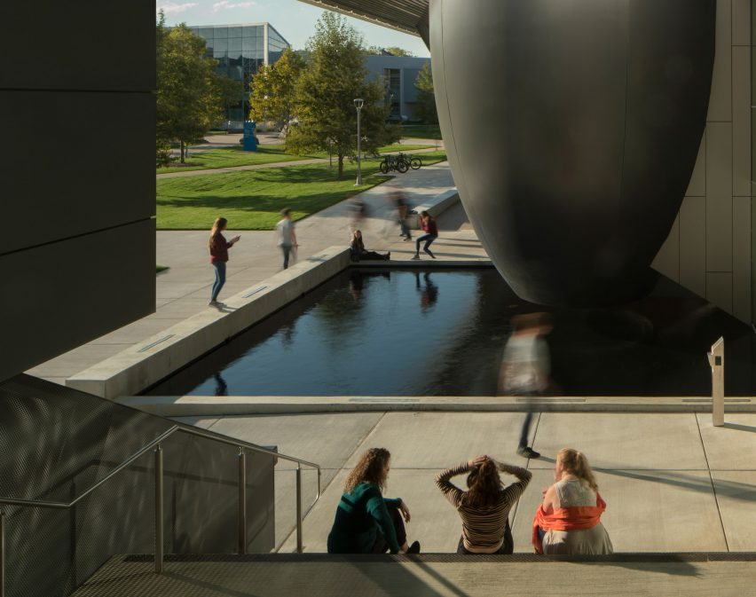 The Taubman Complex by Morphosis