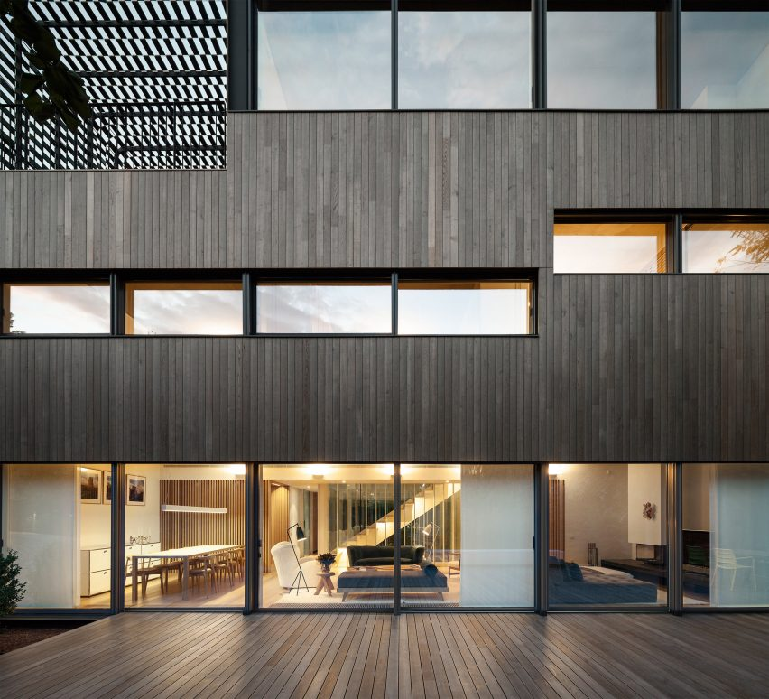 TR House by PmmT Architects