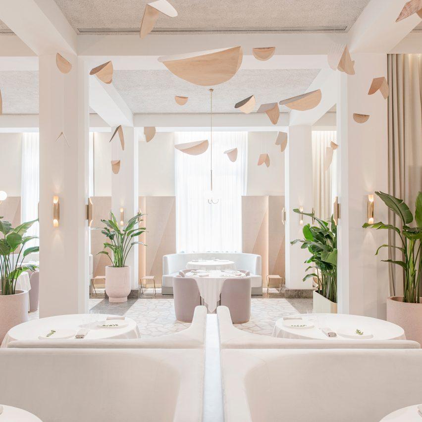 universal-design-studio-odette-restaurant-interior-col