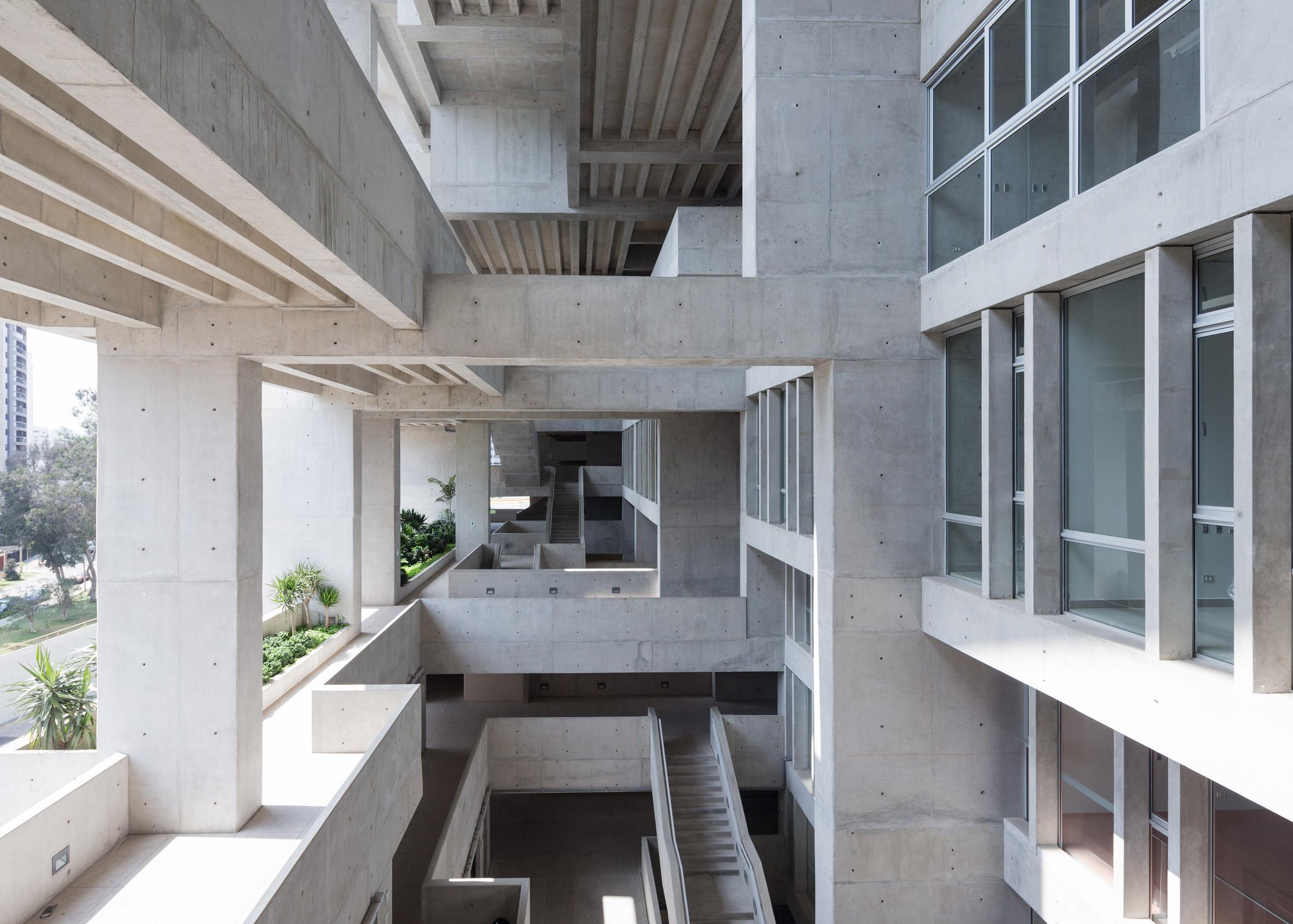 UTEC Universidad de Ingenieria y Tecnologia by Grafton Architects and Shell Arquitectos. Photograph by Iwan Baan