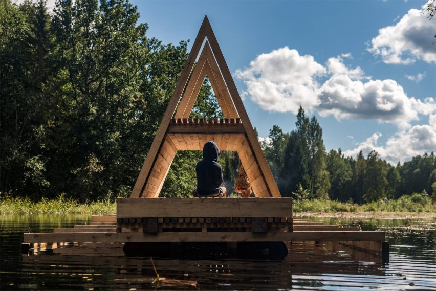 Floating pavilion Veetee designed by students in response to the challenging and changing environment