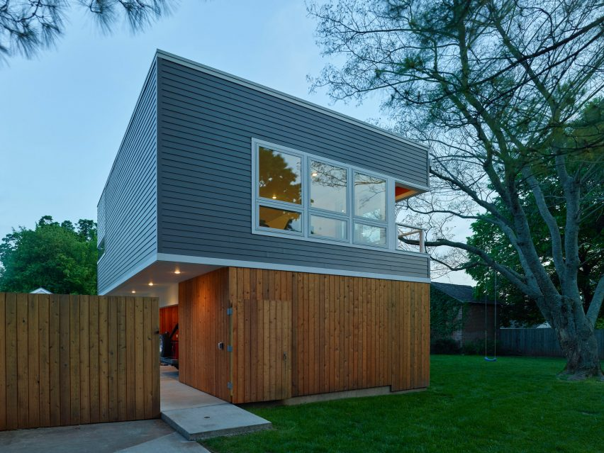 Werner Carriage House by deMx architecture