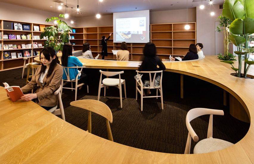 wil-womans-inspiration-library-japan-masa-architects-interiors_dezeen_1704_col_1
