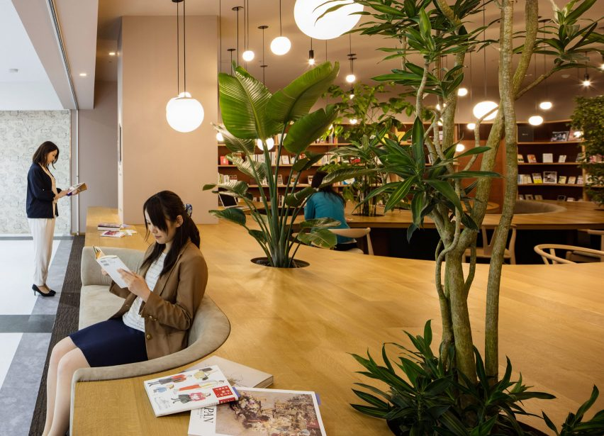 wil-womans-inspiration-library-japan-masa-architects-interiors_dezeen_1704_col_5