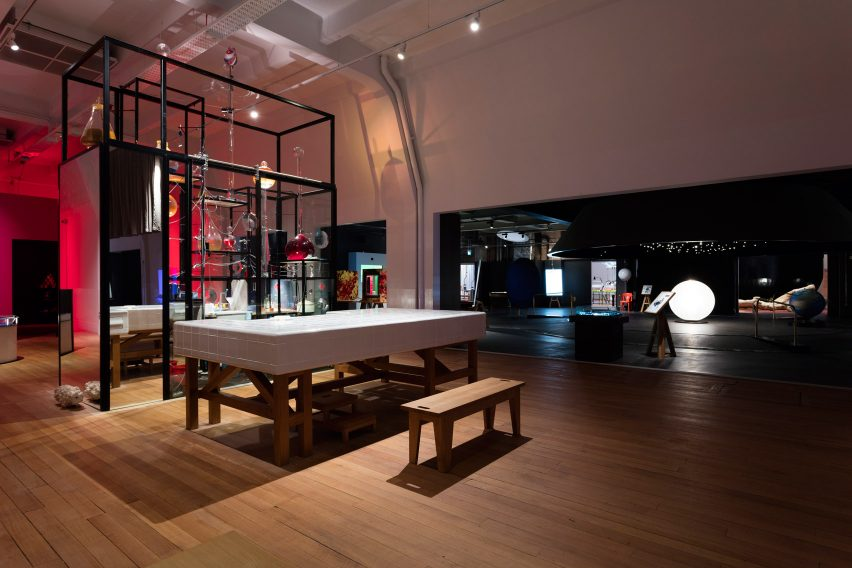 wonderlab-exhibition-interiors-design-science-museum-london-uk_dezeen_1704_col_3