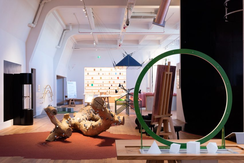 wonderlab-exhibition-interiors-design-science-museum-london-uk_dezeen_1704_col_9