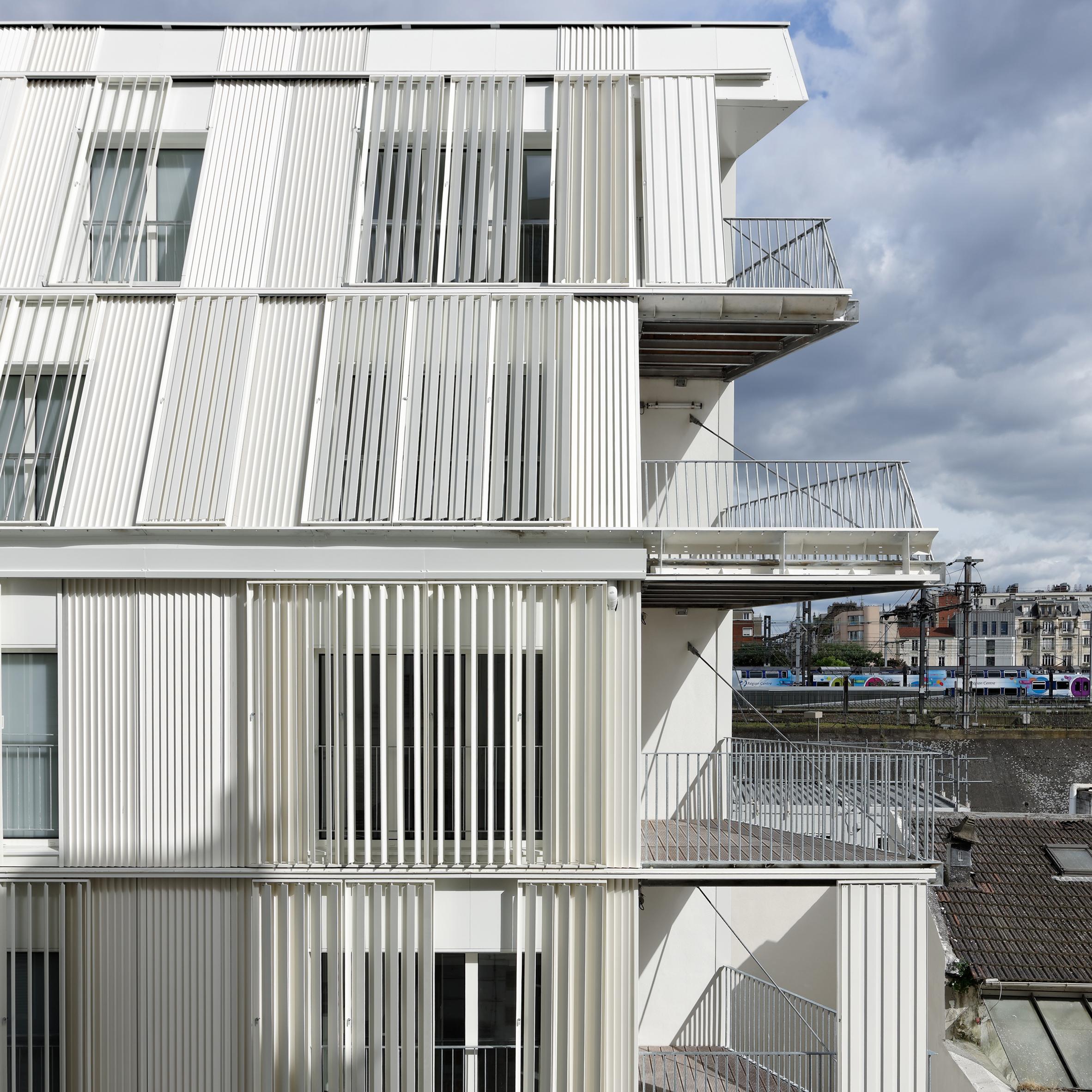 Sliding shutters cover Dietmar Feichtinger Architectes\' Parisian ...