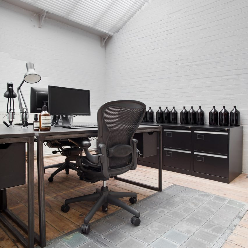 aesop-head-office-philippe-malouin-minimalist-offices-roundup_sq
