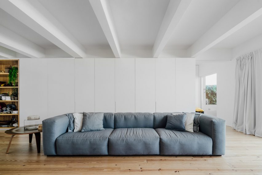 b-a-apartment-atelier-data-apartment-interiors-lisbon-portugal_dezeen_2364_col_2