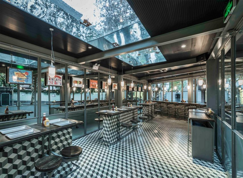 bars-and-restaurant-inside-rachels-burger-shanghai-china-neri-and-hu-design-and-research-office_dezeen_2364_col_0