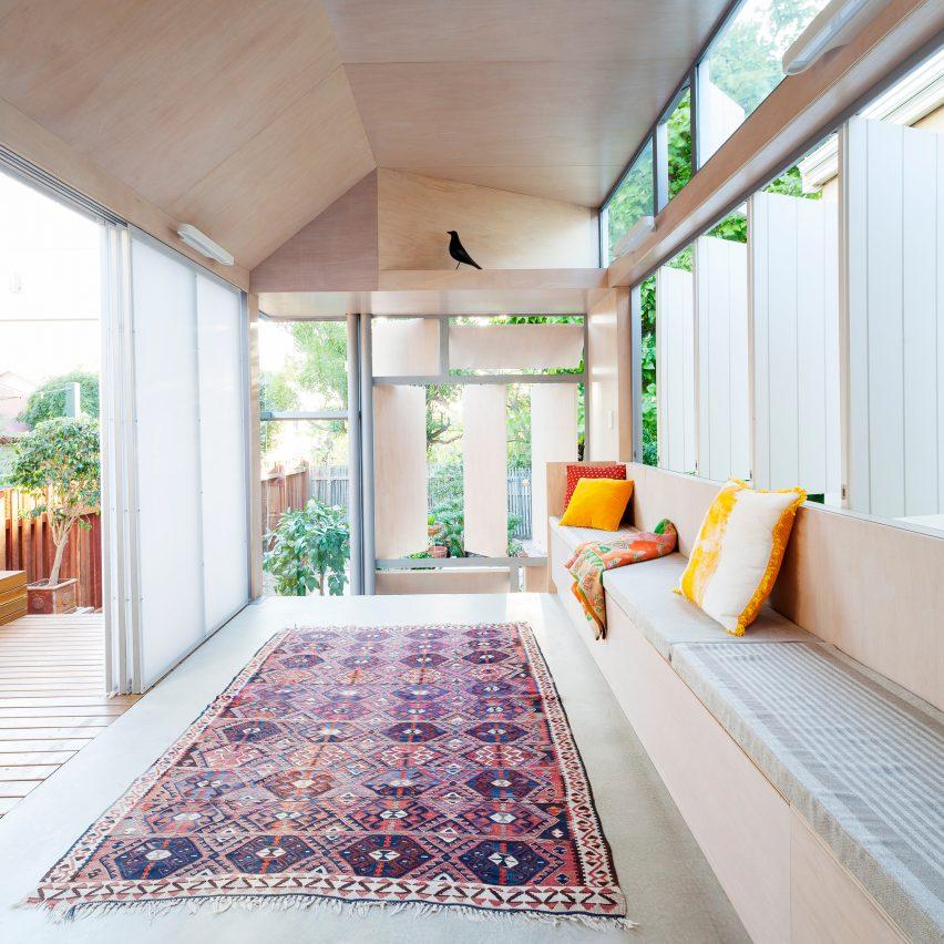 bellevue-terrace-philip-stejskal-architecture-lounge-roundup-pinterest-col
