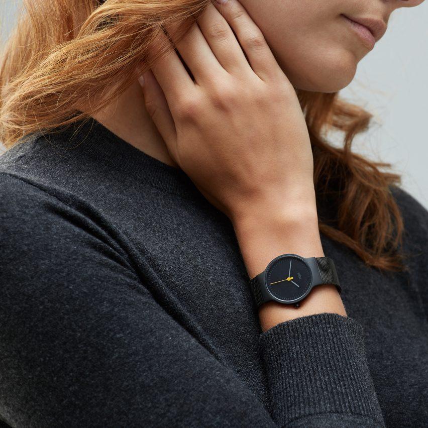 best-black-friday-watches-at-dezeen-watch-store-sq0
