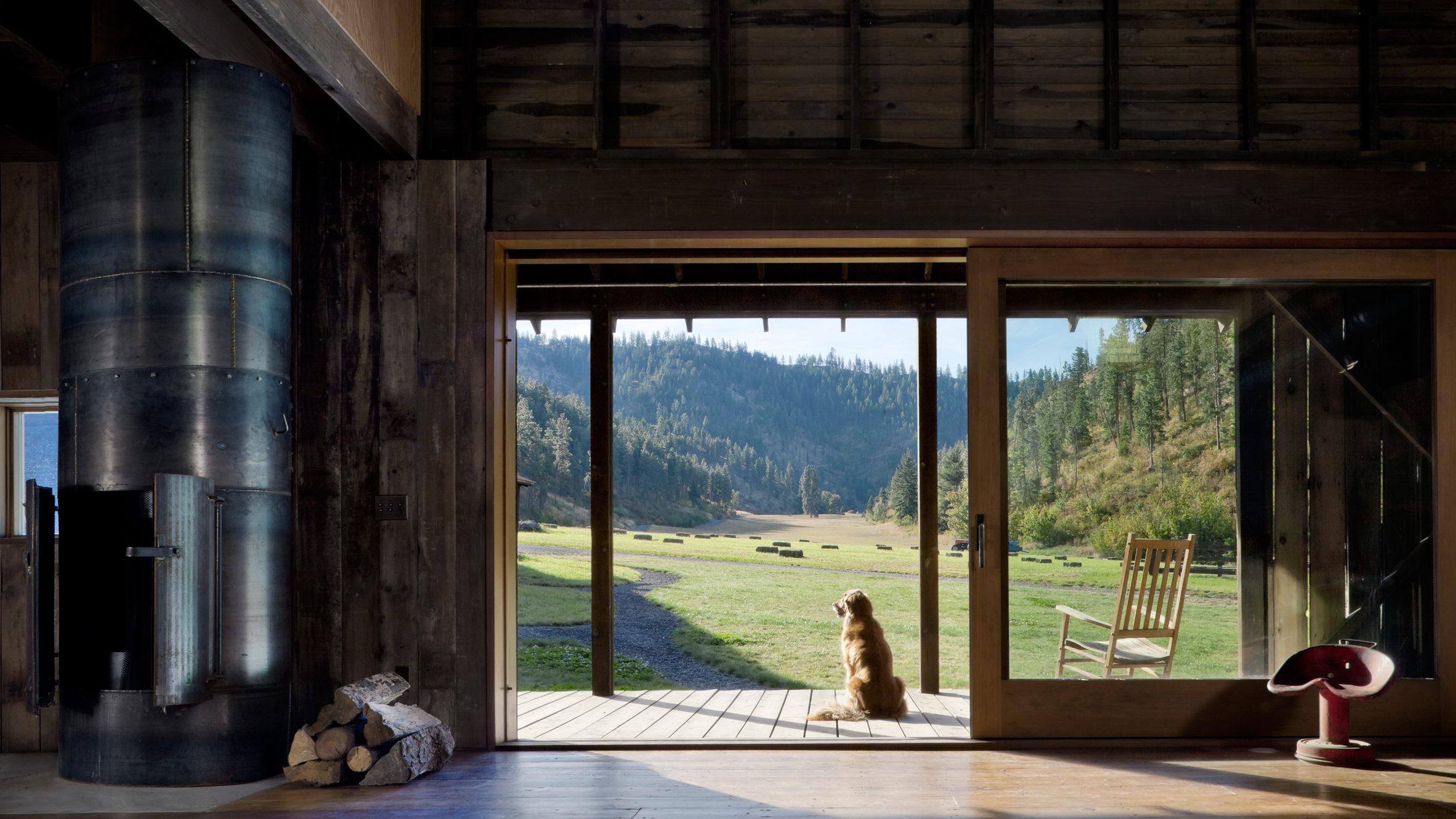 Canyon Barn by MW Works
