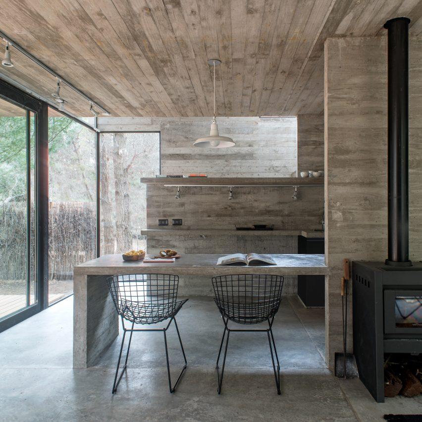 casa-3-luciano-kruk-architecture-concrete-interiors-dezeen-col