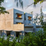 John Hix designs off-grid concrete guesthouse for Caribbean island