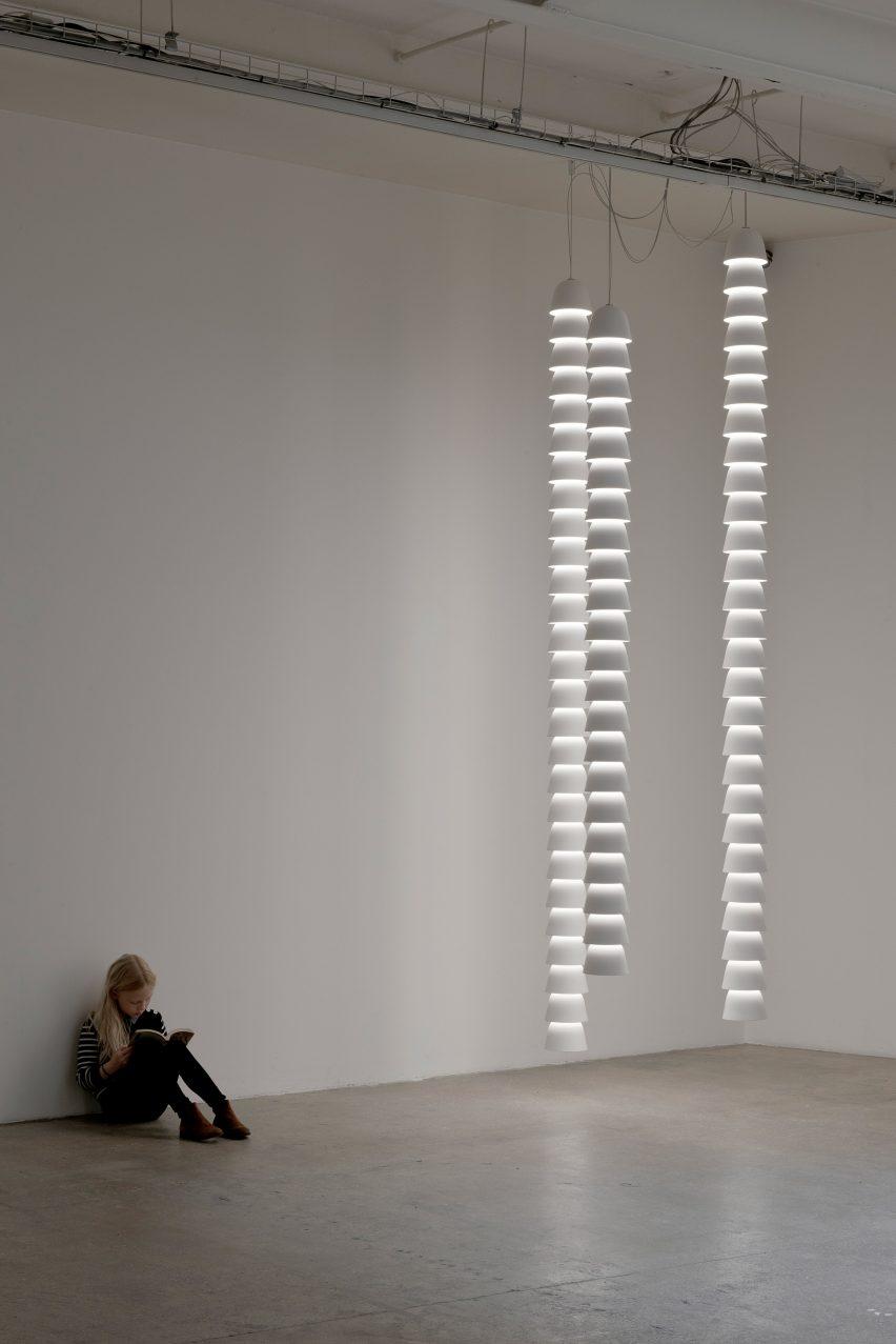 chains-by-ronan-erwan-bouroullec-galerie-kreo-exhibition_dezeen_2364_col_18