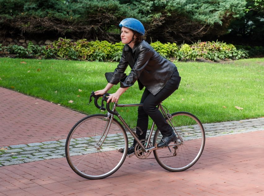 Foldable paper cycling helmet wins James Dyson Award