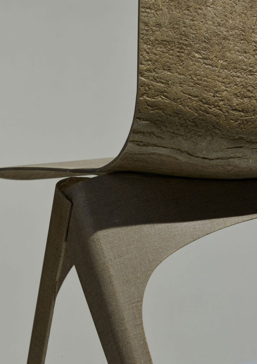 flax-chair-furniture-design-christien-meindertsma-bio-plastic-fiber-enkev-dutch-design-week-2016_dezeen_2364_col_2