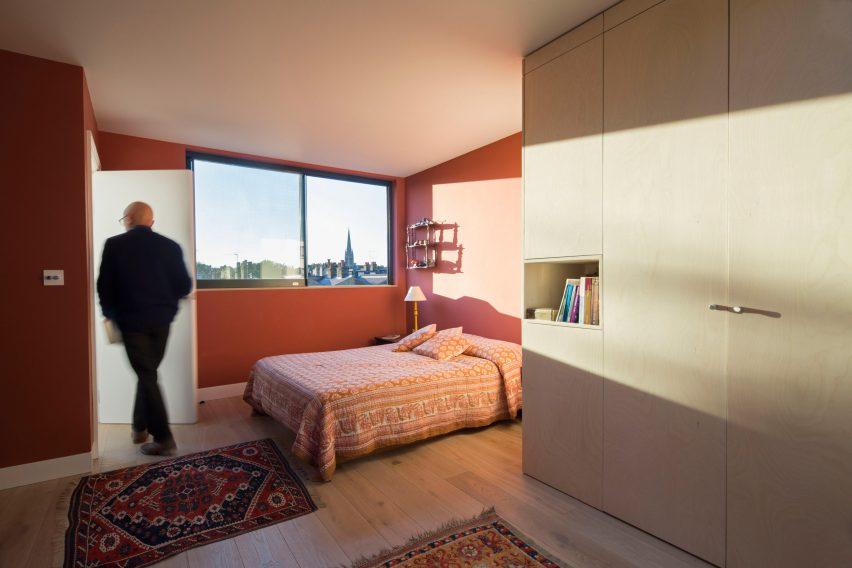 Luxury Gallery House Stoke Newington by Neil Dusheiko Architects