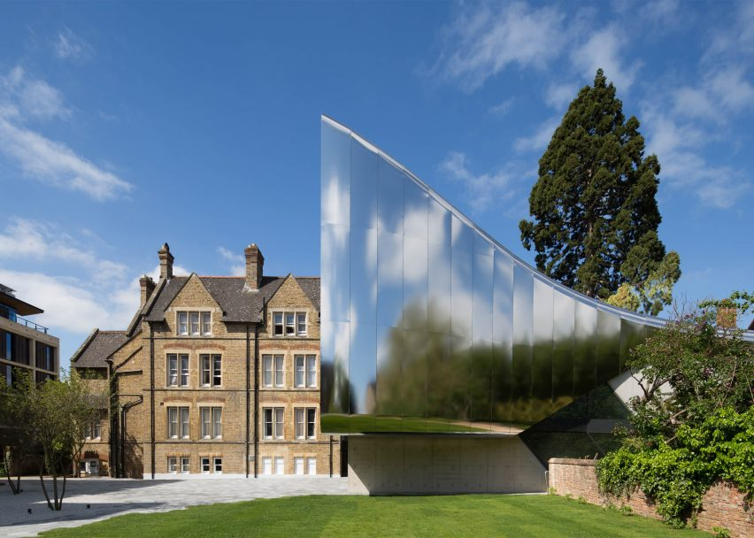 higher-educationr-research-investcorp-building-oxford-university-middle-ast-centre-st-antony-college-oxford-united-kingdom-zaha-hadid-architects-world-architecture-festival_dezeen_2364_ss_0