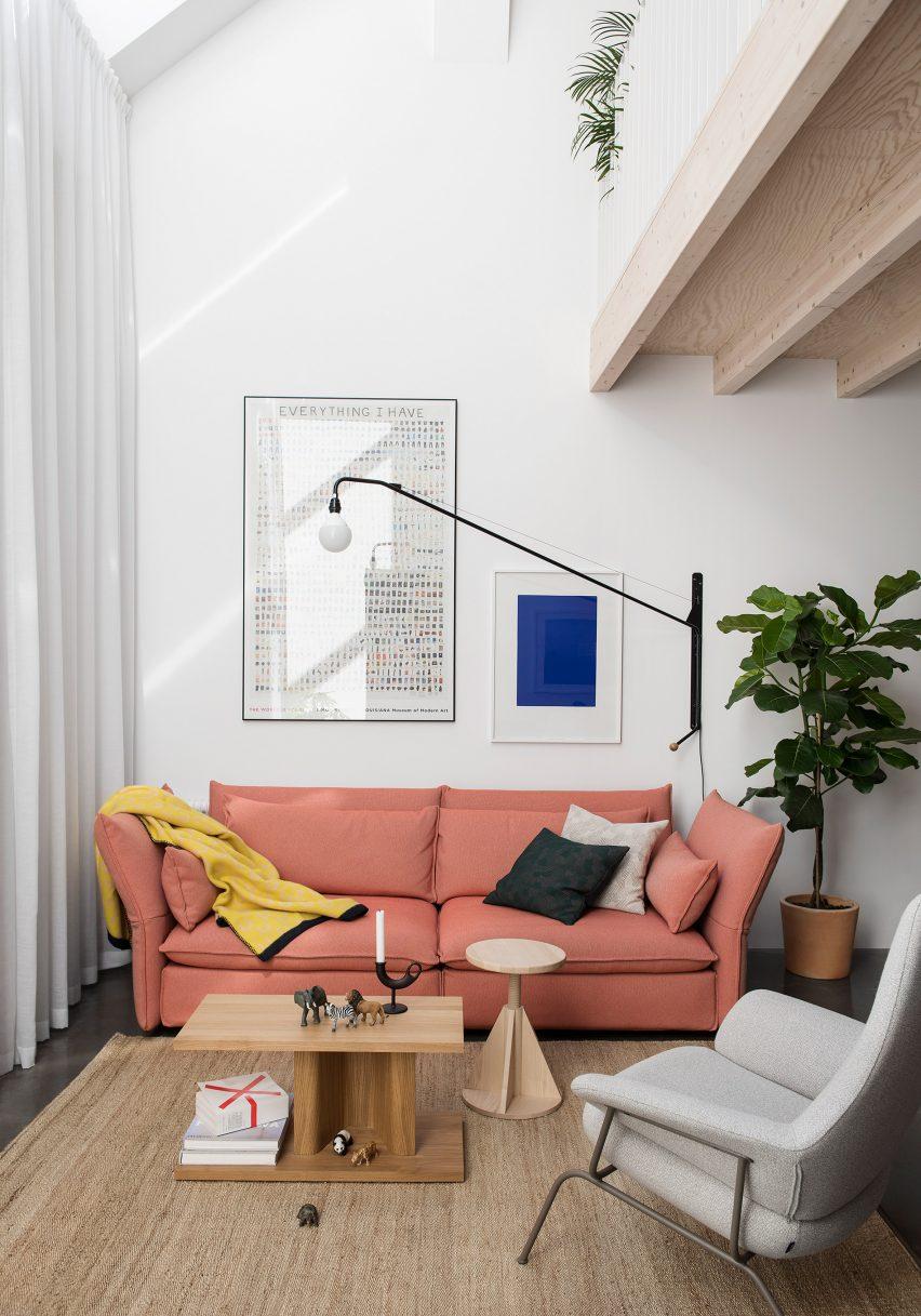 home-of-petrus-palmer-bjorn-forstberg-architecture-sweden_dezeen_2364_col_4