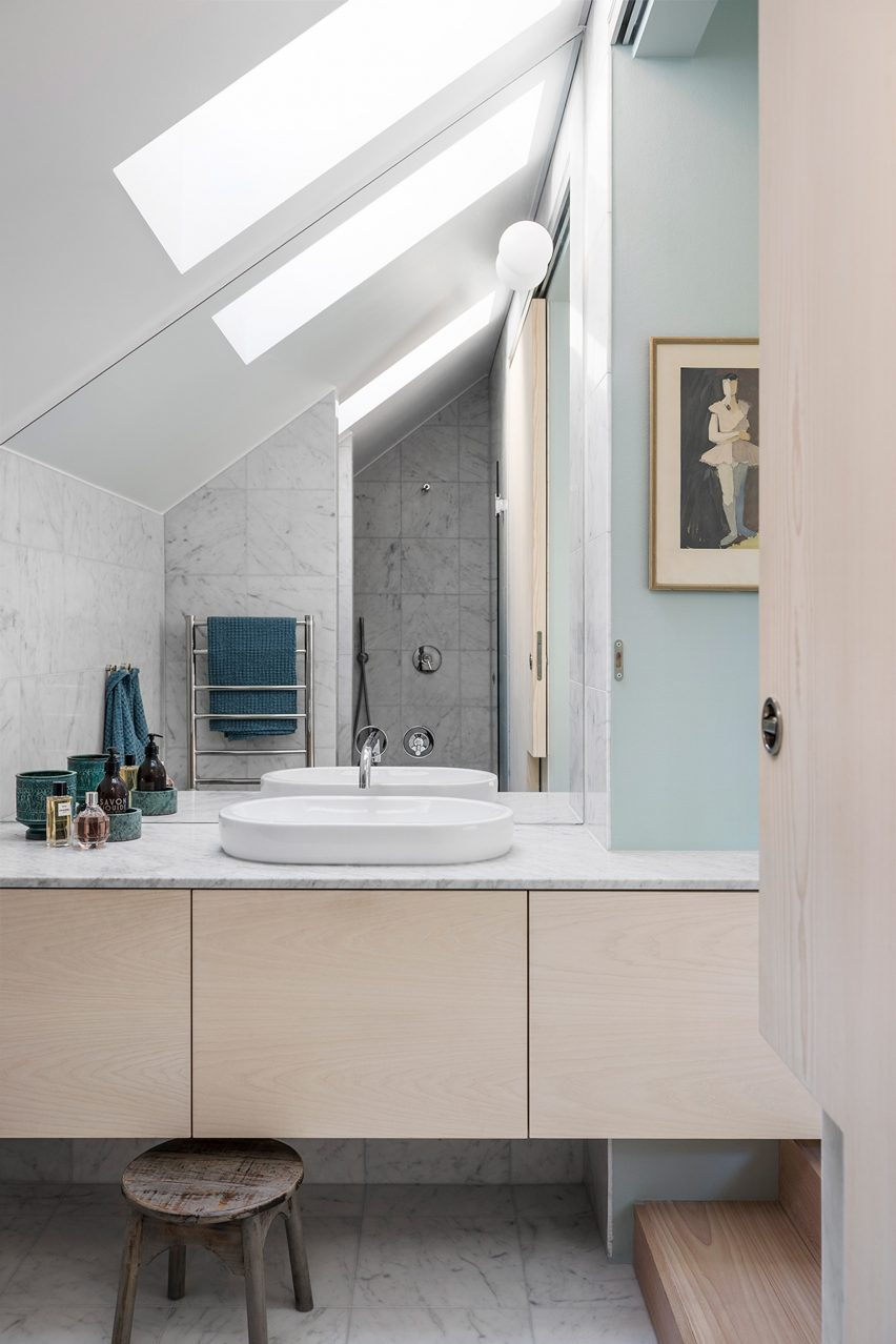 home-of-petrus-palmer-bjorn-forstberg-architecture-sweden_dezeen_2364_col_5